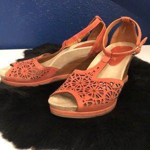 Earthies Coral pink heels